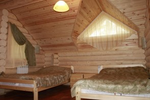 Кровати, прикроватные тумбочки